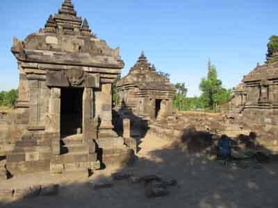 Candi Perwara di Candi Plaosan Kidul